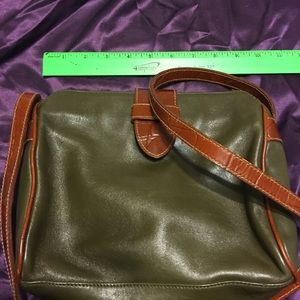 Lovely Valerie Stevens green purse crossbody